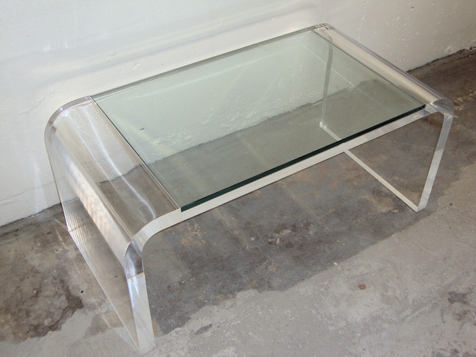 furniture futuristic acrylic coffee table for inspiring living room plexiglass side lucite end perspex round curved peekaboo clear plexigla tables fire pit couch rod iron nesting