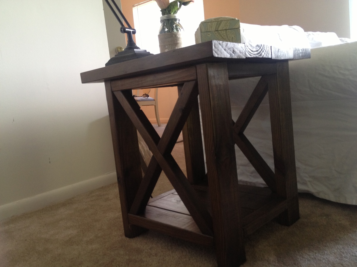 rustic end tables ana white table beginner log cabin living room furniture lazy boy website leons saskatoon dog cages for medium dogs plans small console toilet storage light gray