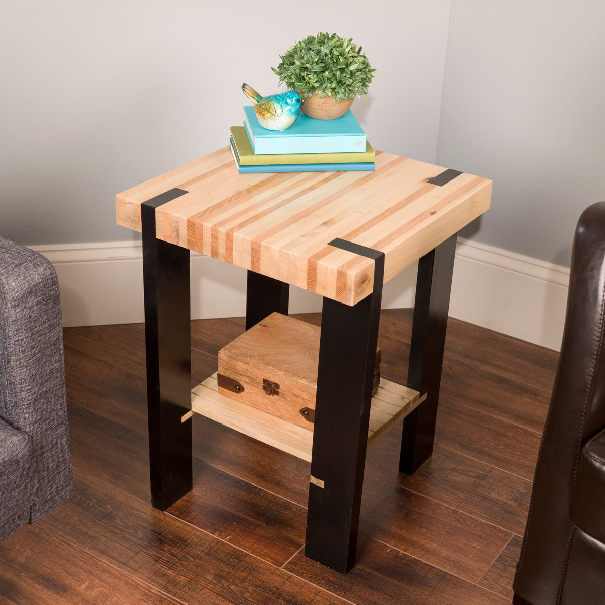saturday morning work how build pallet side table the modernsidetable lede furniture end painted black coffee glass outdoor layout couch floor lamp ideas homemade dog crate cover