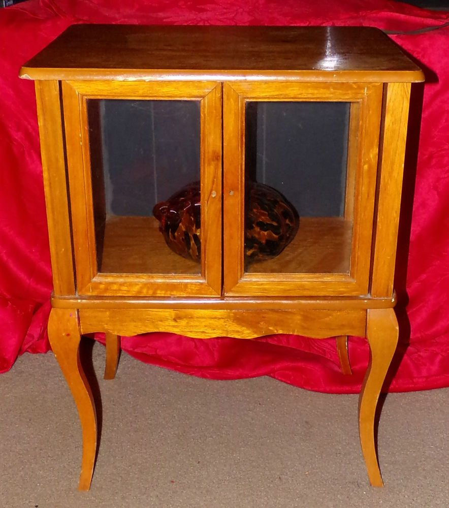 vintage oak wood vaseline lighted glass display case end table lift top coffee winnipeg can you paint veneer furniture marble and gold nightstand styling small white bedside unit