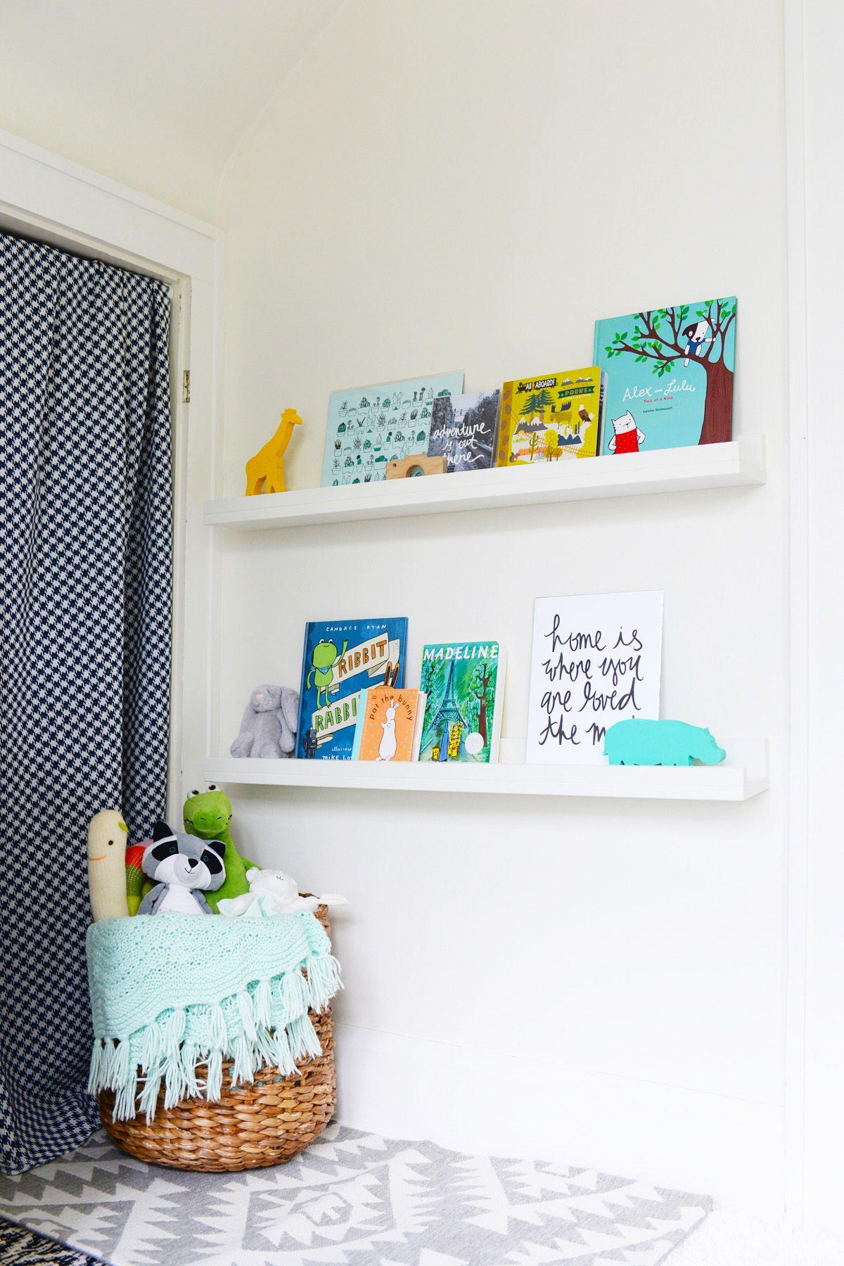 diy floating bookshelves white shelves for books display wall mounted wood shelving units hidden brackets entry hall coat hooks black crown molding shelf above kitchen cabinets